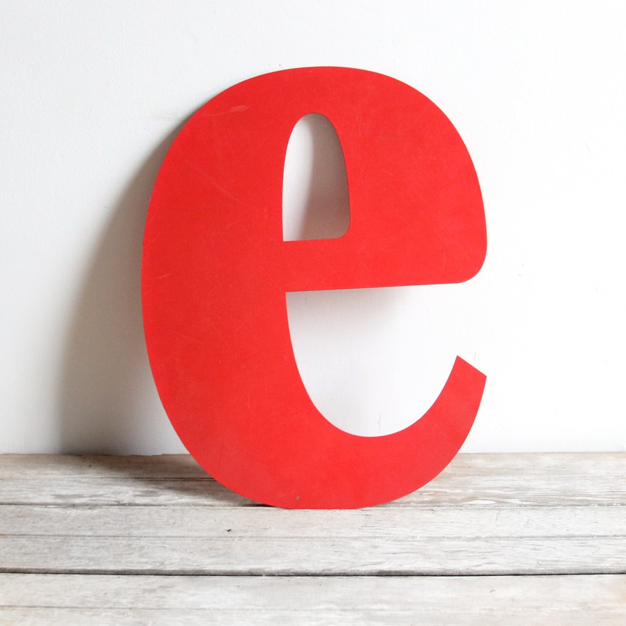 the letter e - 900×900